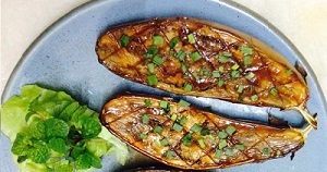 ROASTED EGGPLANT WITH TOMATO SAUCE RECIPE