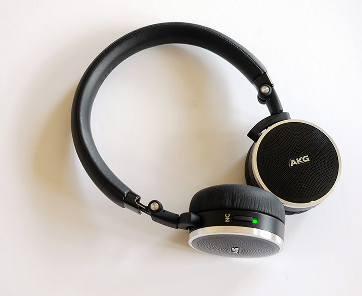 Reviews-Headphone - AKG N60