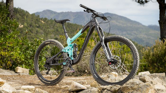 Mountain Bike Reviews: Norco Range C7.2 - New Bicycle 2016