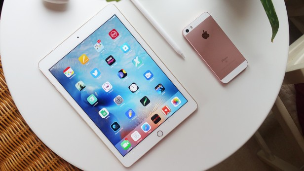 Best Tablet To Buy: 9.7 Inch Ipad Pro Reviews - True Tone Display