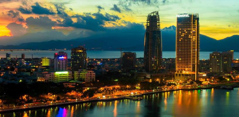 Travel Vietnam: Enjoy Da Nang nightlife Before Getting From Danang To Hoi An