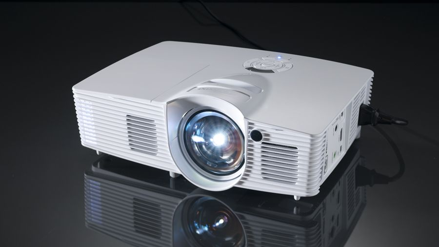 Optoma GT1080 : A Gaming Projector With A Good Short Game