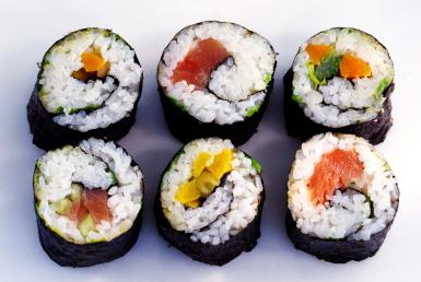 How To Make Maki Sushi Rolls Recipe - Famous Dishes Of Janpan