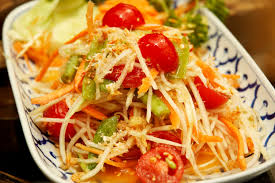 Som Tum (Spicy Green Papaya Salad)