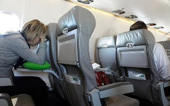 Long flight jet lag travel tips