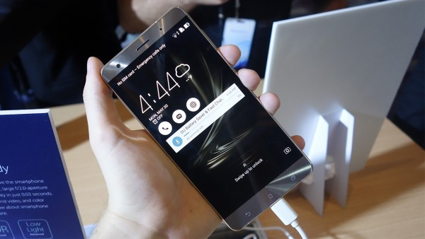 Asus Zenfone Reviews: ZenFone 3 Deluxe