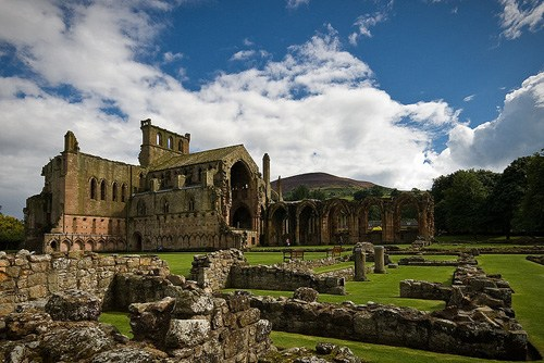 Melrose Abbey Was Founded In 1136 By Xitô Monks At The Request Of King David I Scotland This Works Great With Masonic Lavish Décor Is Said To Keep