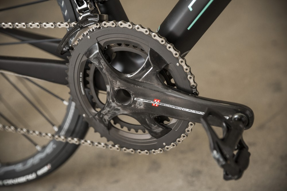 Bianchi Specialissima Review - It's only right that the bike is hung with a groupset of Italian origin