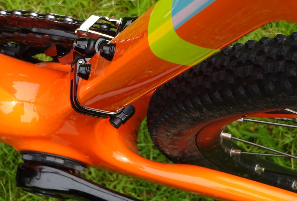 Santa Cruz Stigmata Review- Chainstays are pinched behind the bottom bracket to take wider tyres