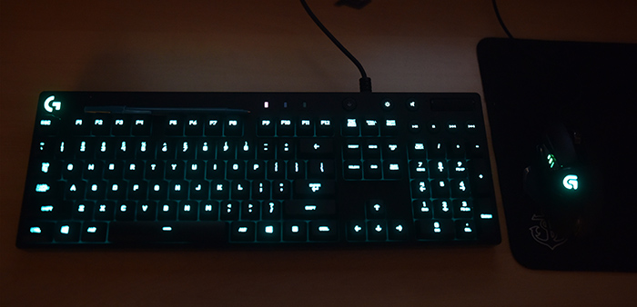 Logitech G810 Orion Spectrum (Keyboard Mouse)